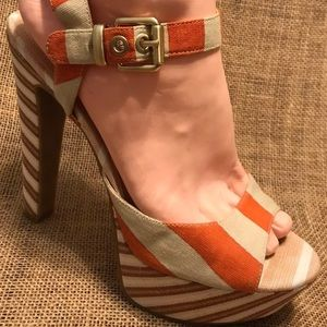 Jessica Simpson high heels Canvas pumps  9.5
